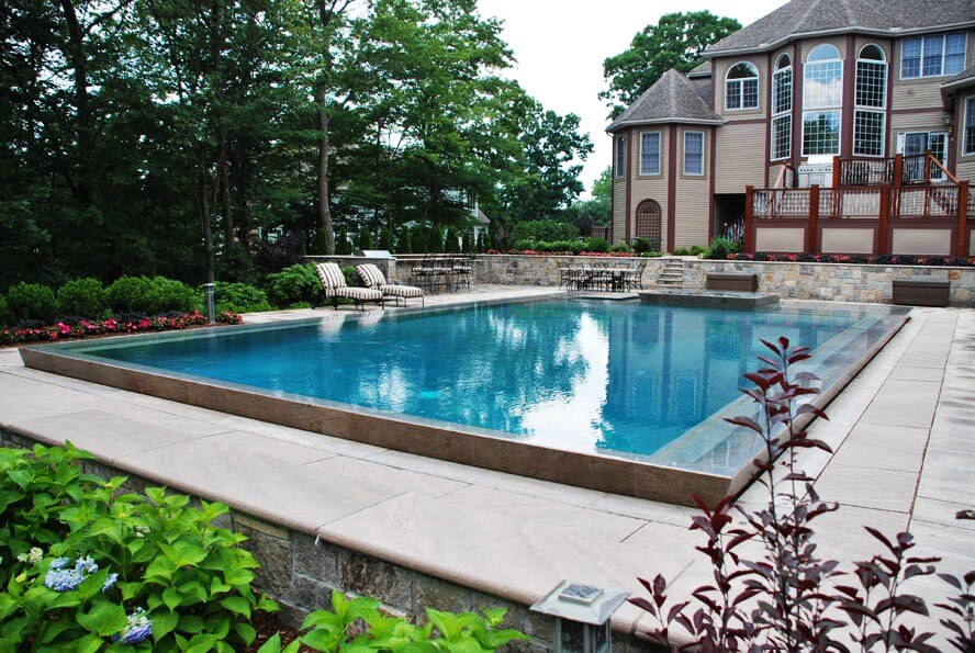 Calculating Costs of an Inground Gunite Pool