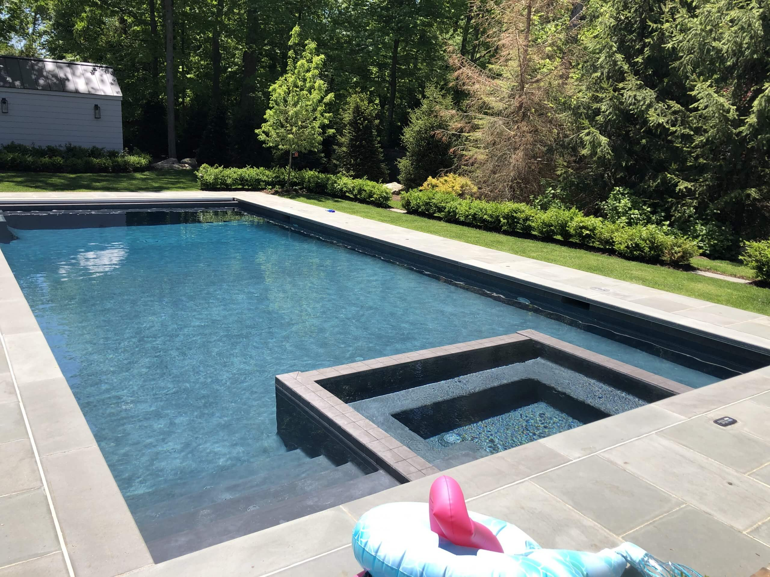 The Benefits of an In-Floor Pool Cleaning System