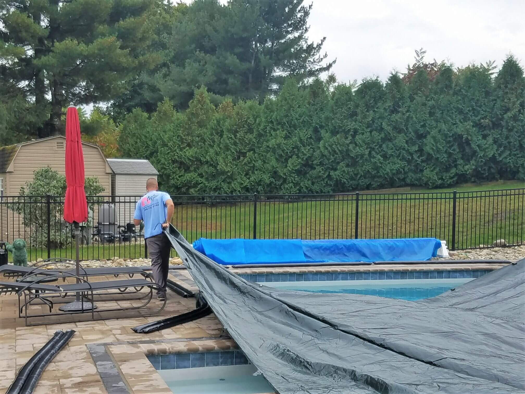 8 Steps to Closing Your Pool This Fall
